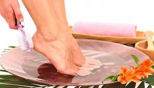 Натуральные средства для лечения потрескавшихся пяток
